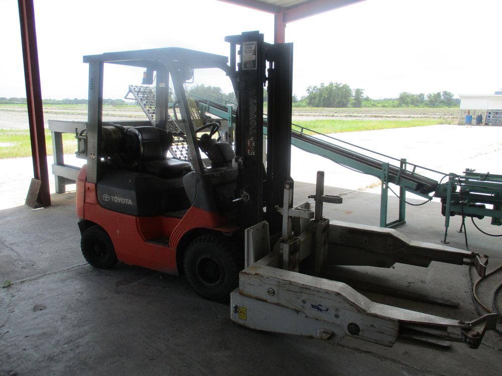 9_ Toyota 7FGU15 LP Forklift.JPG