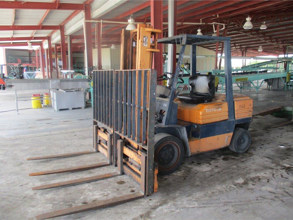 11_Toyota 02-5FD30 Forklift.JPG