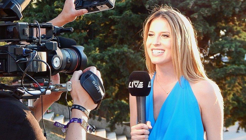 reporter-852096_1280.jpg