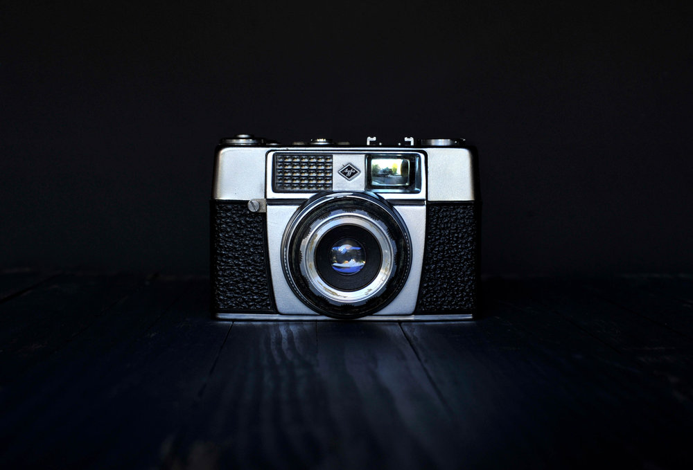 johnson_darren_agfa_small_vintage_camera.jpg