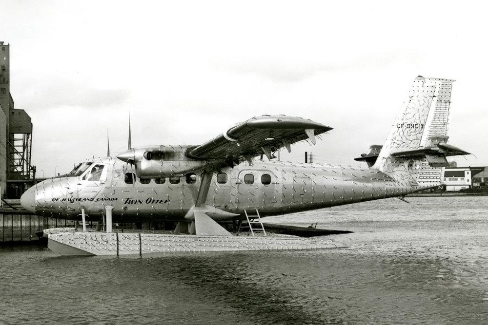 DHC Photo © Toronto Island, ON