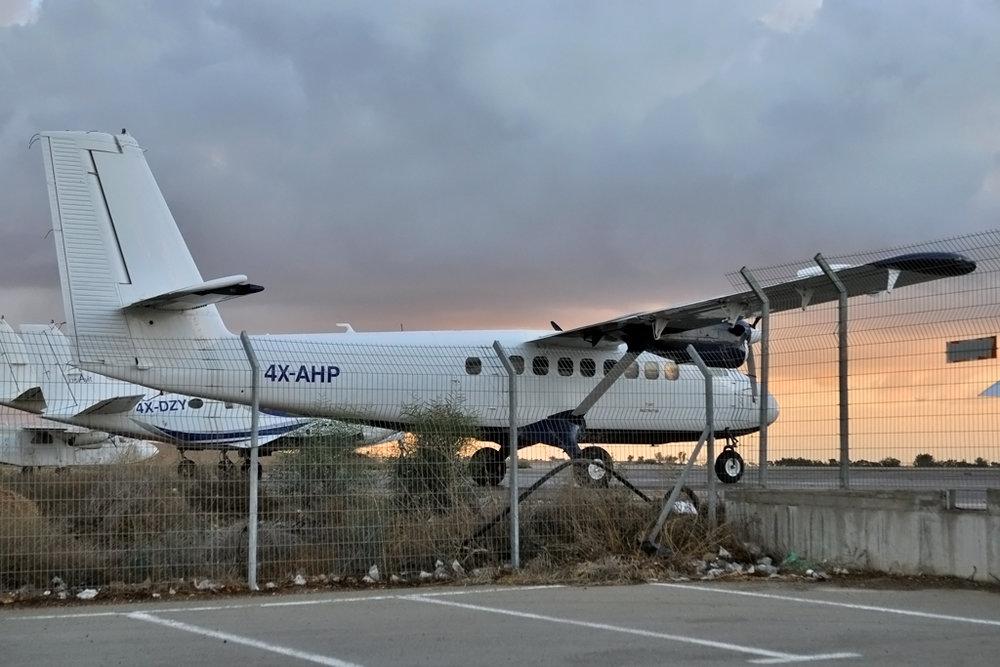 MSN 75 - DHC-6-100 4X-AHP Beer Sheva-Teyman Airport 23-Nov-2017