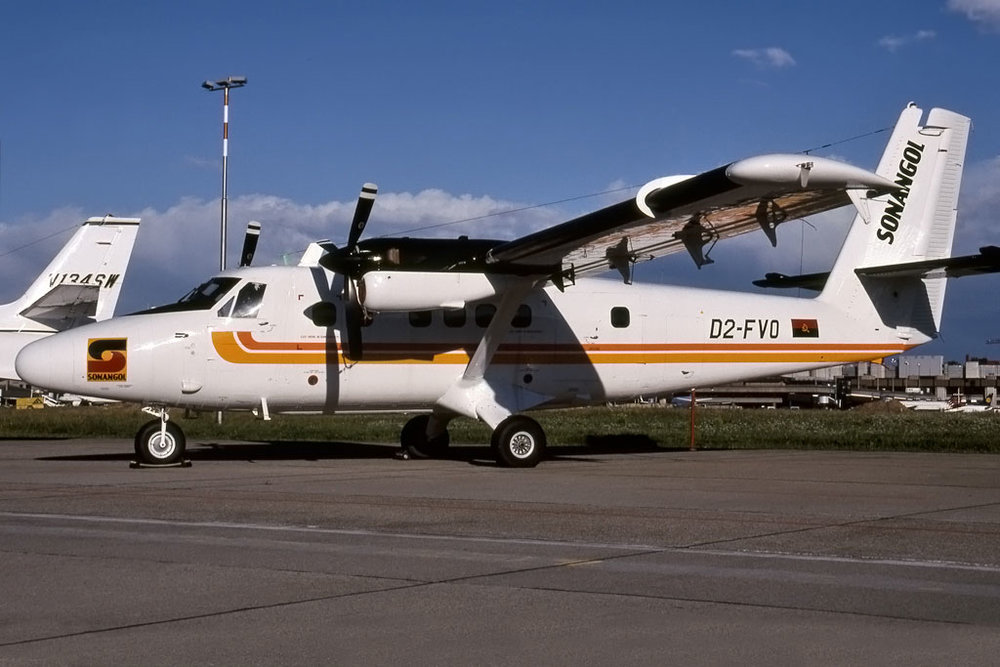 821_D2-FVO_AVIATIONTRADE_ZURICH_OCT-2000_1024a.jpg