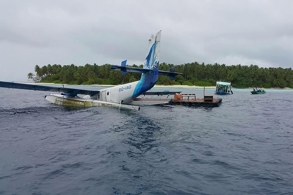 Maldivian CAA Photo © Dhoore Island 16-Nov-2017   There were no fatalities as a result of this accident. TwinOtterWorld does not, under normal circumstances publish accident photos where there has been loss of life.