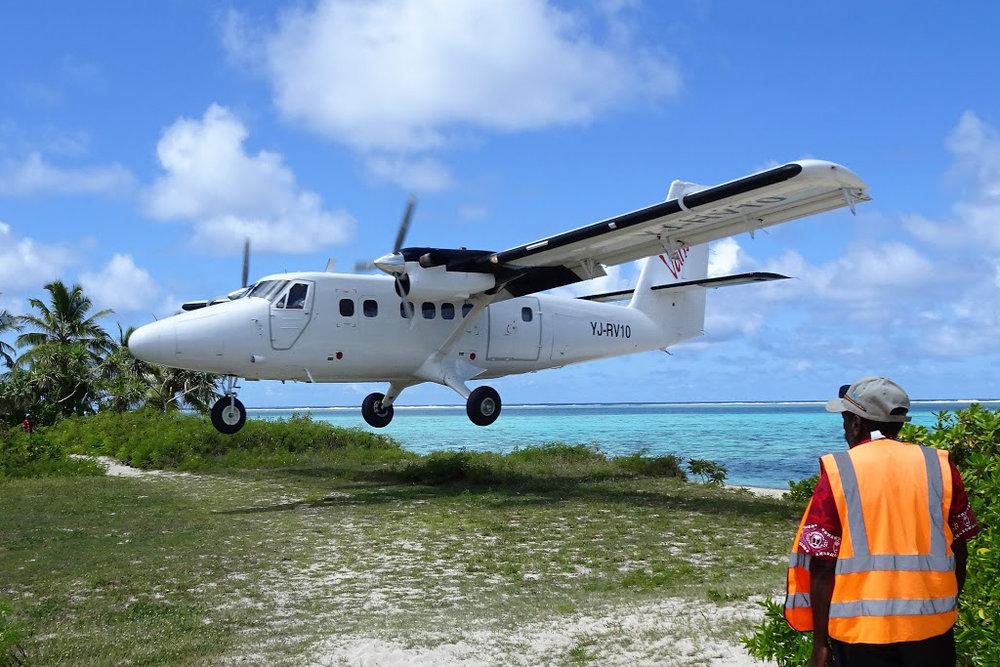 MSN 679 DHC-6-300 YJ-RV10 Air Vanuatu