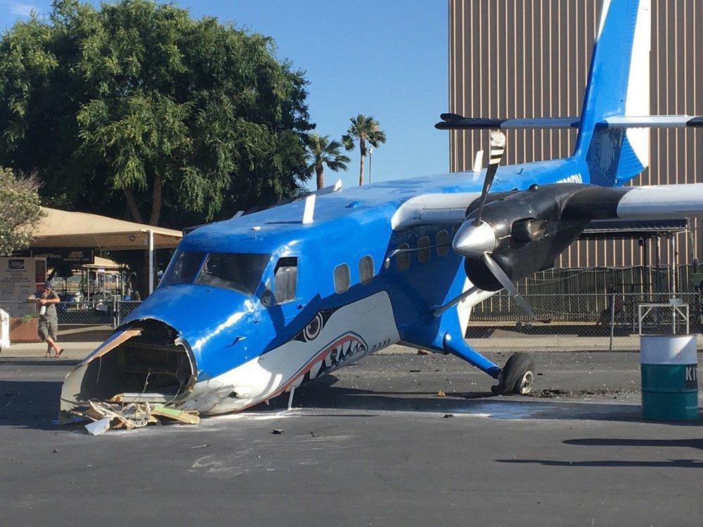 Perris DHC-6-1.jpg