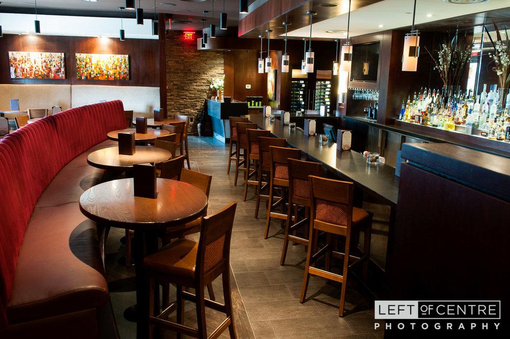 Brampton Keg lounge 02
