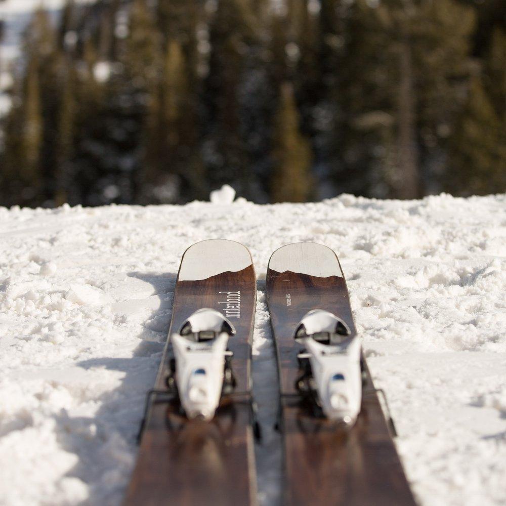 custom-skis.jpg