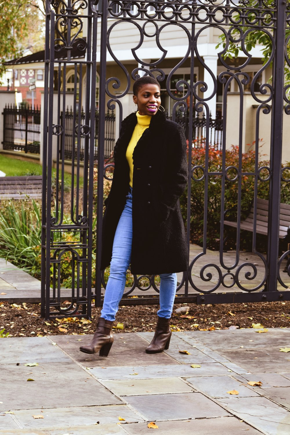 Walking into the weekend like.. ---------------------------------------------- Sweater: Lord and Taylor (Thrifted) from Clothes Mentor Jeans: Forever 21 (Thrifted) from Plato's Closet Coat: Shelli Seccal (Thrifted) from Clothes Mentor Photo: Lauren Herwig