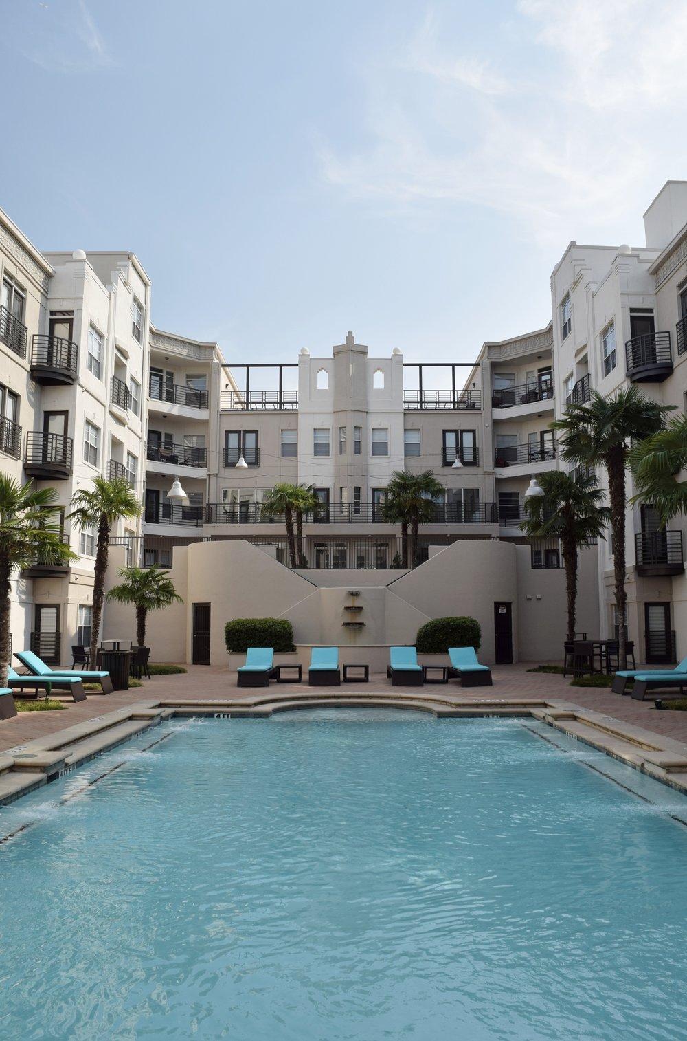 dallas-airbnb-pool-length.jpg