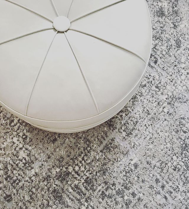 Love this new rug pattern from Loloi! #loloirugs #grayandwhite #rug #alisonbainedesign