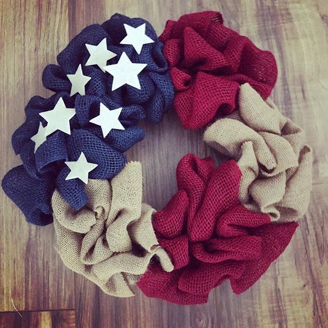 Patriotic 🇺🇸 - LHBDesigns🌻#lhbdesigns #wreath #doordecor #etsy #frontdoor #instadecor #handmade #homedecor #supporthandmade #homeideas #summerwreath #theperfectgift #makeahouseahome #burlap #patrioticdecor #patriotism