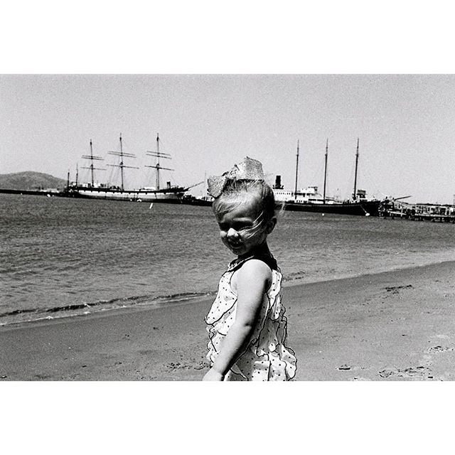 My daughter River, at the beach near the pier at the fishermen's wharf, San Fransisco. 2017 #35mm #andthelastwaves #myendlessproof #ourstreets #capturestreets #hp5pushed2stops #shootfilmstaybroke #shootfilmnotmegapixels #analog #filmphotography #filmsnotdead #leicam3 #leica #filmlovephotography #develop #doyoudevelop #wasteoffilm #deathb4digital #photofilmy #allformatcollective #misfitgrain #polyesterbase