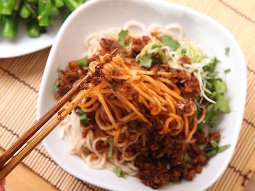 20130221-vegan-dan-dan-mien-noodles-3-500x375.jpg