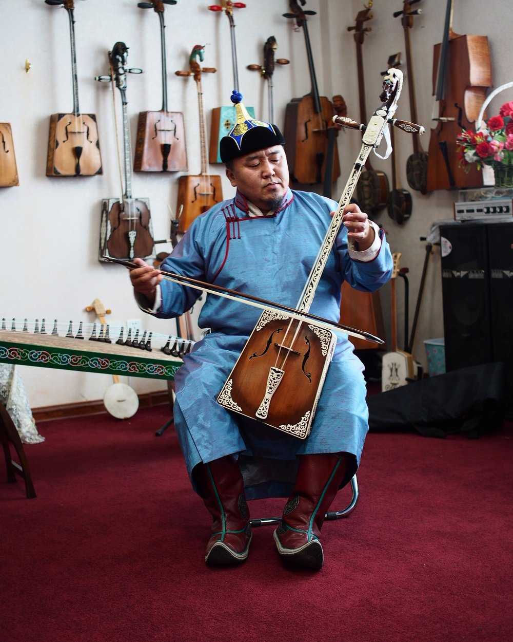 Batzorig playing the morin khuur.