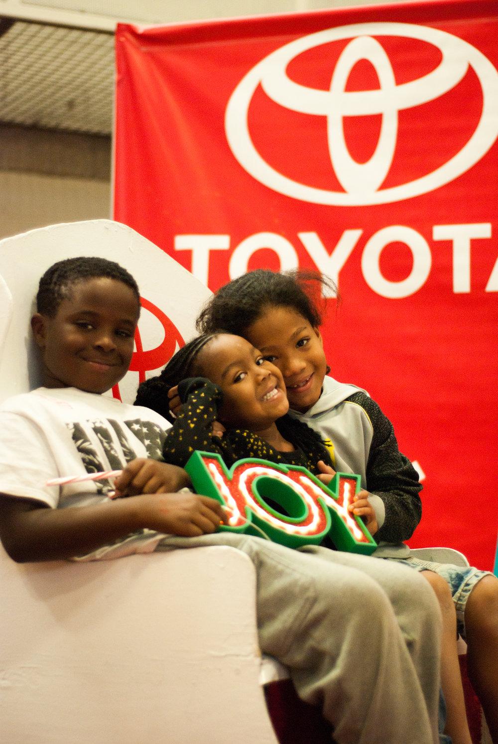 ToyotaKidsgiving-1142.jpg