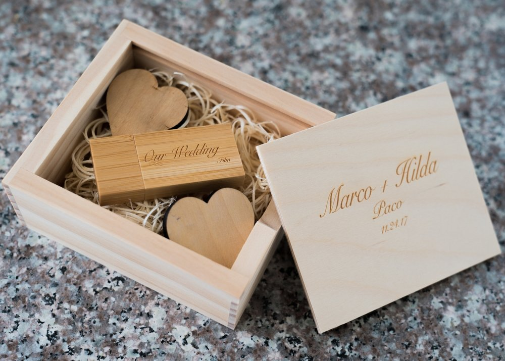 A La Carte - - Additional Hour- Guest Congratulations- Engagement Video- Rustic Flash Drive Box- Getting Ready Montage