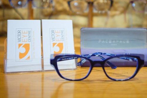0ef50de927 Victor Eye Centre Business Cards and Frames