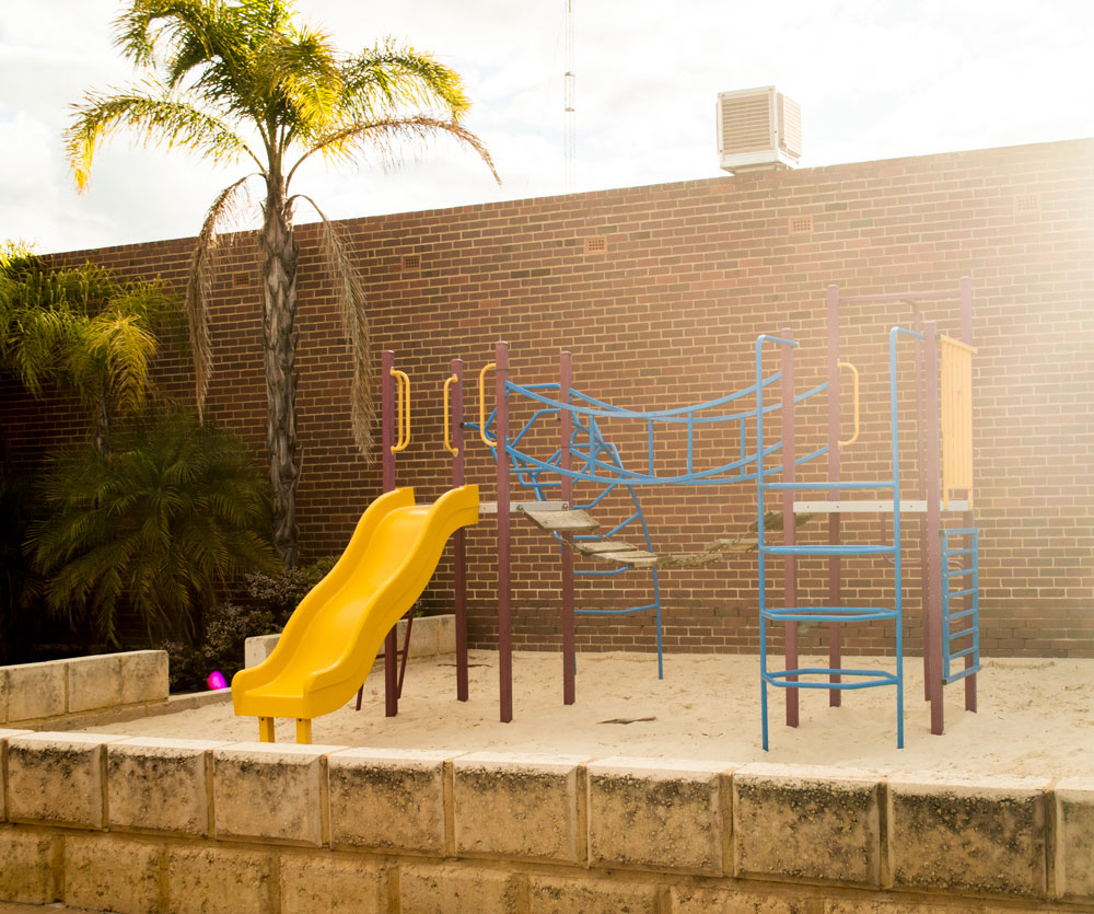 kid's-play-area.jpg