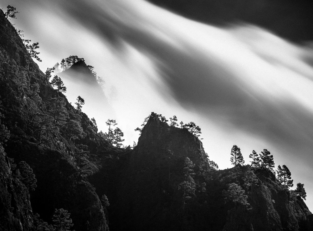 Use of telephoto lens to photograph forests from far away, La Palma island - Rafael Rojas.jpg
