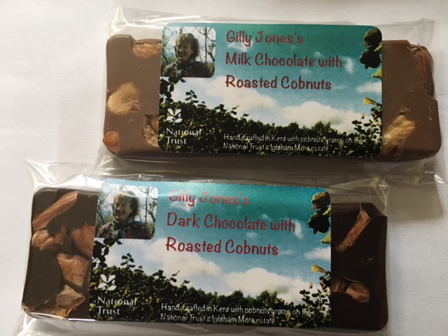 chocolate bars with roasted cobnuts
