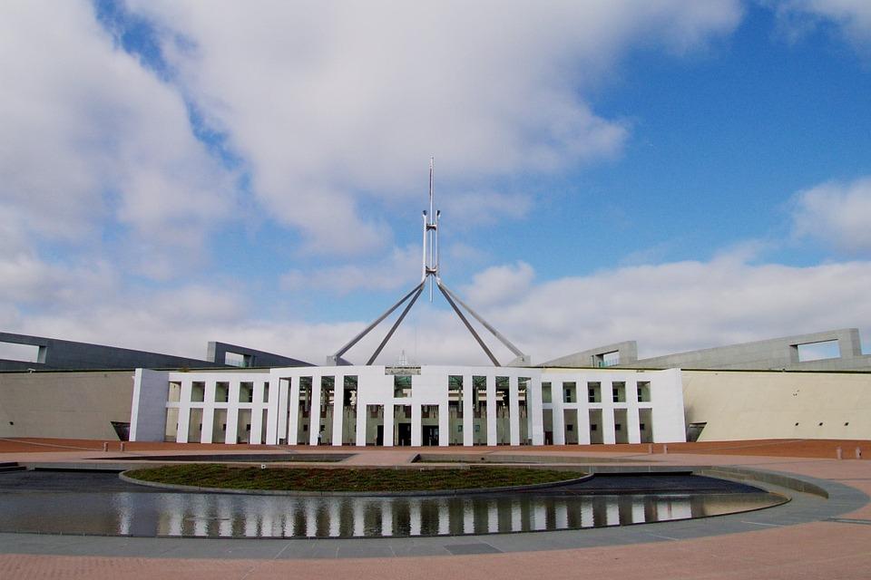 parliament-house-168300_960_720.jpg