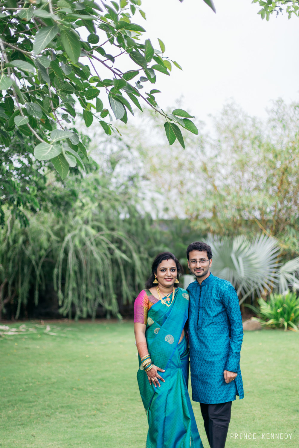 Engagement-Couple-Portrait-Portraiture-Wedding-Couple-Portrait-Chennai-Photographer-Candid-Photography-Destination-Best-Prince-Kennedy-Photography-110.jpg