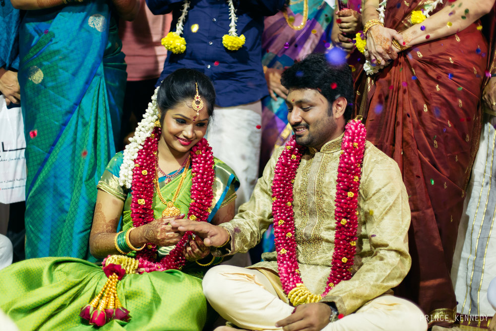 Engagement-Couple-Portrait-Portraiture-Wedding-Couple-Portrait-Chennai-Photographer-Candid-Photography-Destination-Best-Prince-Kennedy-Photography-229.jpg