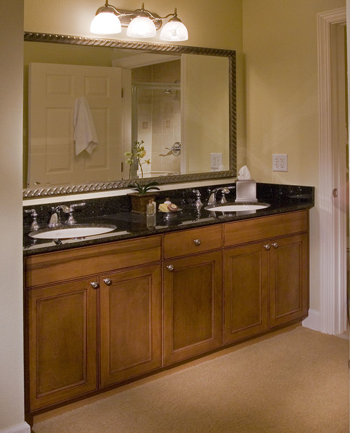 Reunion Grand Hotel | Bathroom Vanity