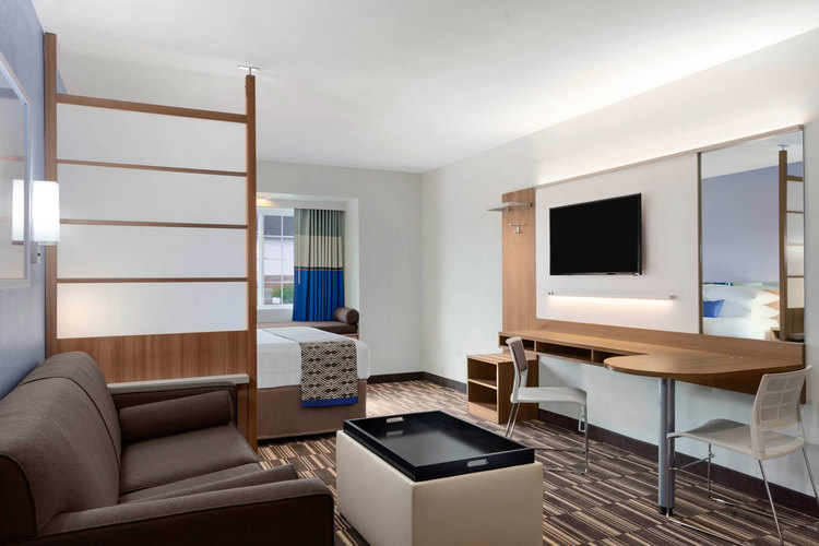 Microtel | Suite Room