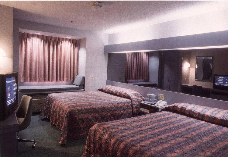 Microtel Classics | Standard Room