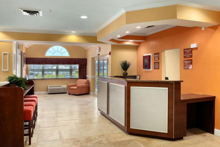Microtel Classics | Reception Area