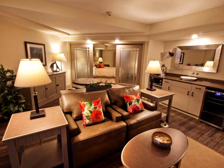 1,000 Island Hotel | Suite Room