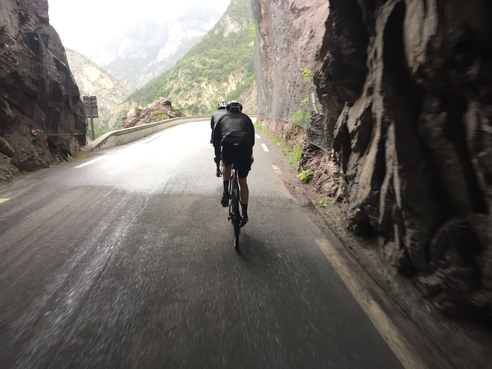 Amazing approach along the gorge