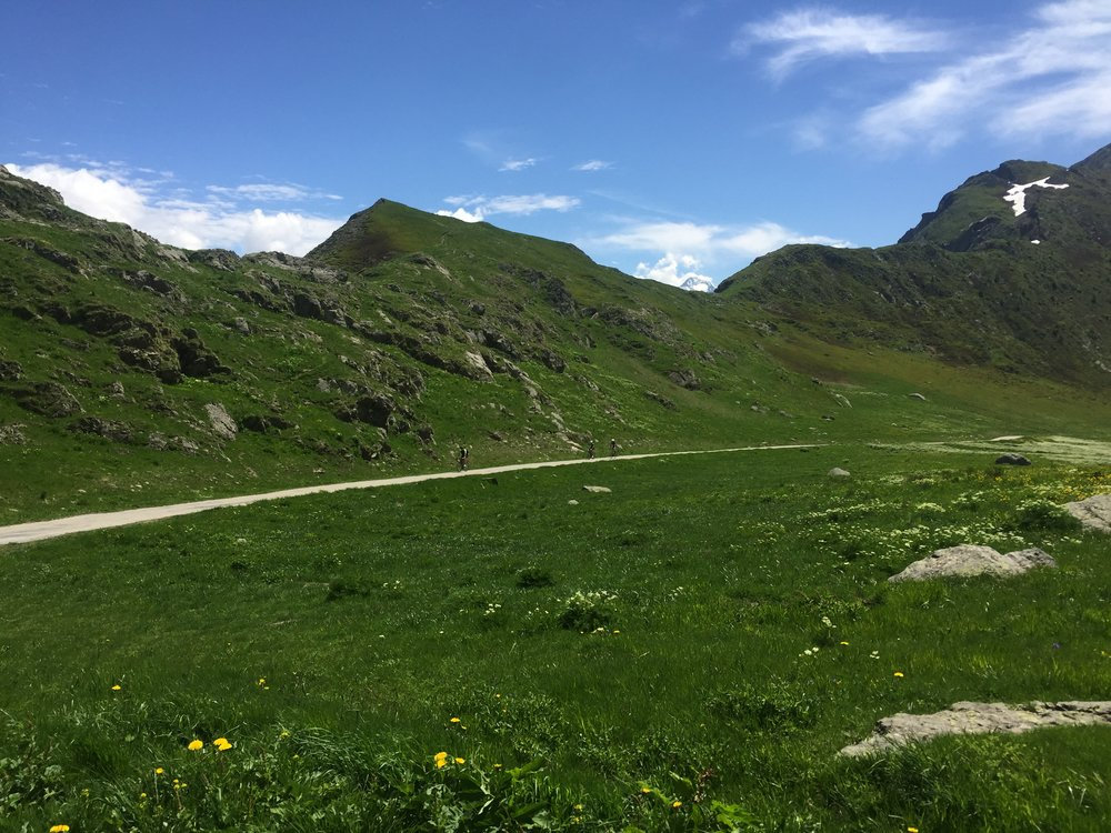 Climbing to the summit of Sarenne