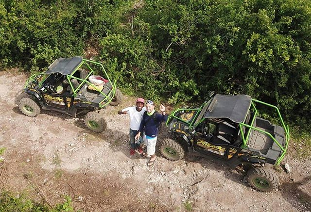 So cool to see our buggies from a bird's view 🐦🌴🐚 . . . #zanzibar #zanzibarisland #drone #nungwi #nungwibeach #holiday #holidaygoals #vacation #offroad #offroading #utv #familyfun #extremeholiday #beachholiday #beachbuggy #nature #Africa #Tanzania #eastafrica #islandholiday #summer #summerholidays #exotic tic