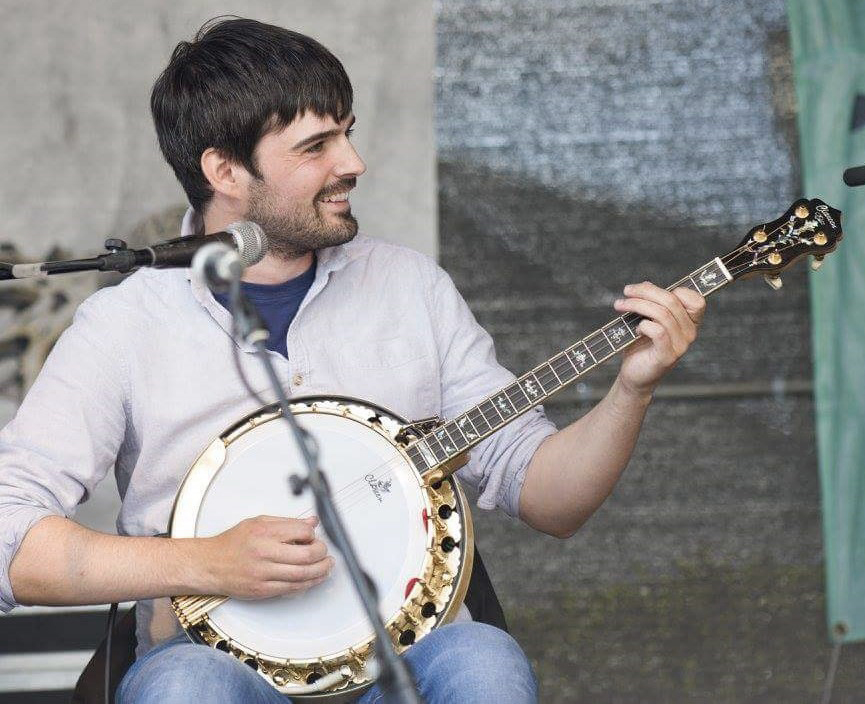 A recent arrival to Hailfax, Seán is a multi-instrumentalist from the village of An Spidéal in South Conamara. Hailing from this area which is steeped in Irish language, music and tradition allowed for exposure to some of the country's finest musicians. Influenced by the accordion playing of his father from an early age, he was then fortunate enough to be taught by some of the masters of their instruments, tin whistle with Mary Bergin and banjo with Enda Scahill. A familiar face in the session scene around Galway, Seán's banjo and guitar playing has placed him with various outfits at festivals around Ireland & Europe.