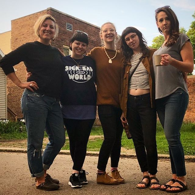 My bests, my babes ❤️❤️❤️ @michele_marti_art @elizabethjeanyounce @sarah_deppe_ and Kaylyn ❤️ Pls check their work and give them a follow , each is a master in their own field🙏🏻🙏🏻🙏🏻