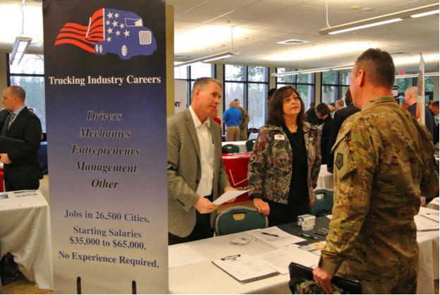 FASTPORT President Brad Bentley and Director of Military Outreach Sharri Justice Meet with Soldiers and Airmen transitioning from JBLM during hiring fair