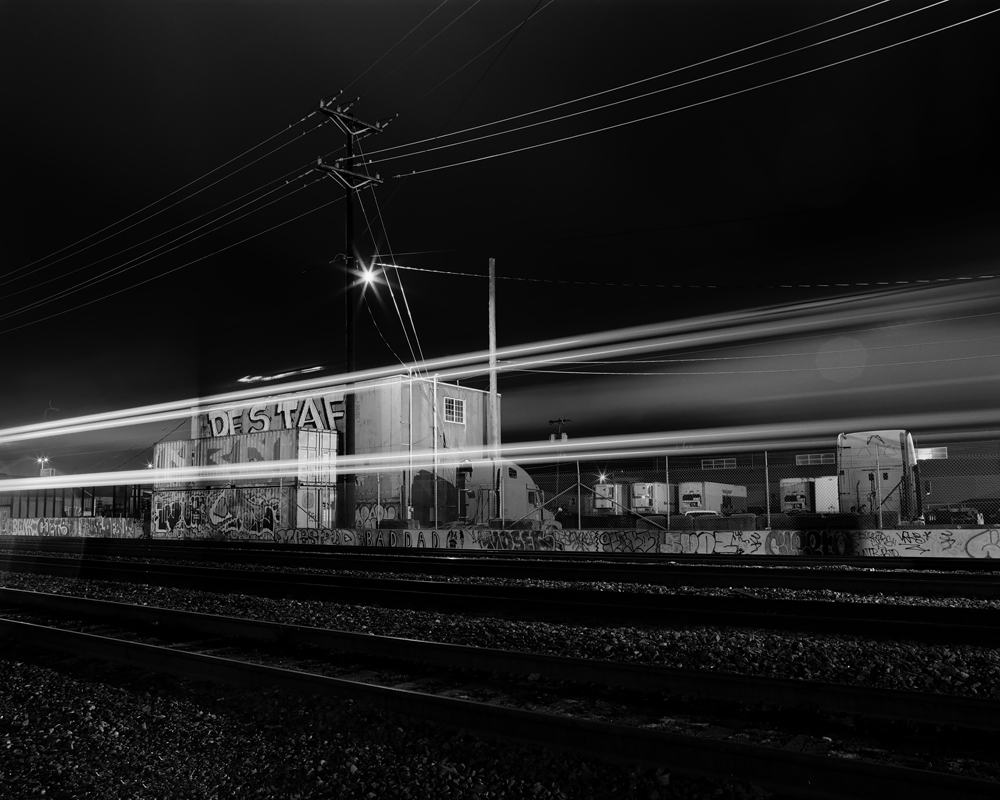003-017B_02.jpg