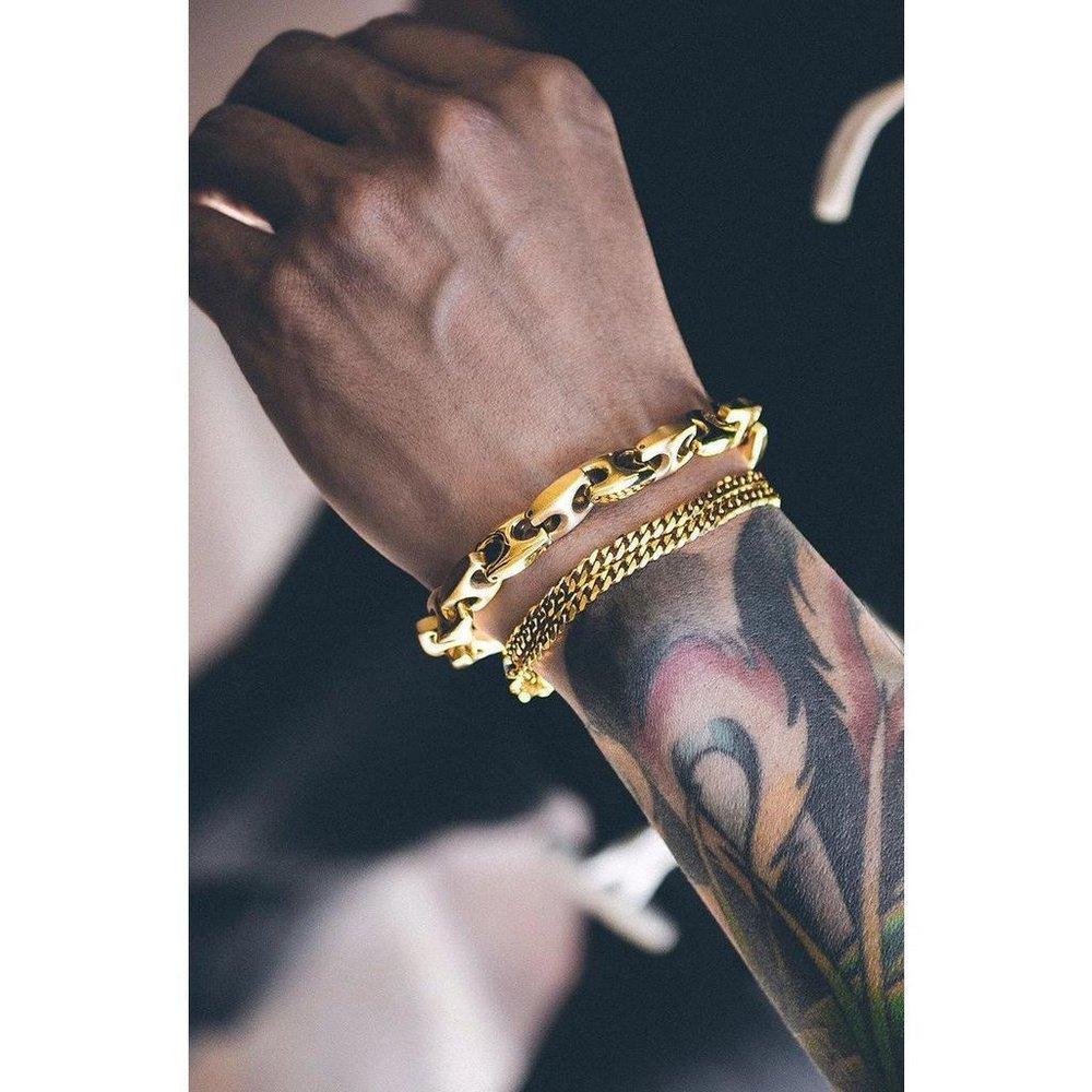 mister-esquire-bracelet-gold-metal-bracelet-5_1024x1024.jpg