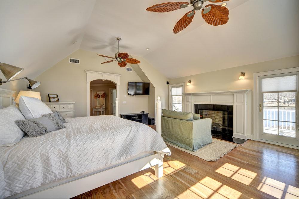 29 Winthrop Rd bed6.jpg