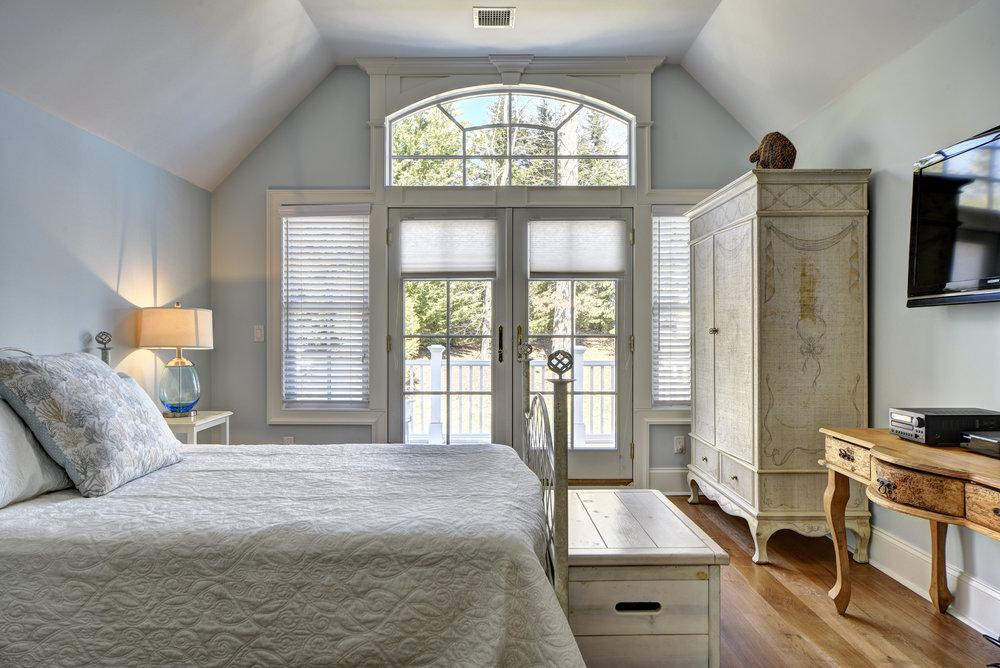 29 Winthrop Rd bed4.jpg
