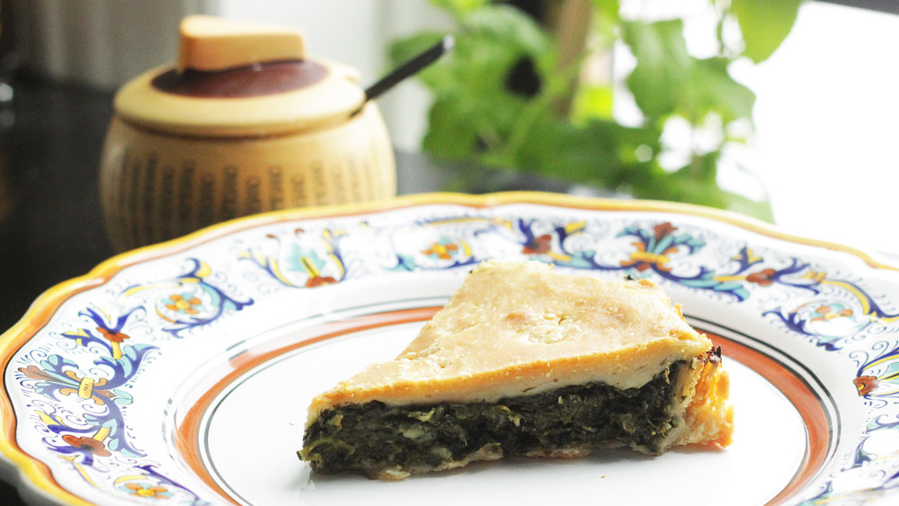 Erbazzone - Tradtitional savory spinach pie.Click on the image for the full recipe!