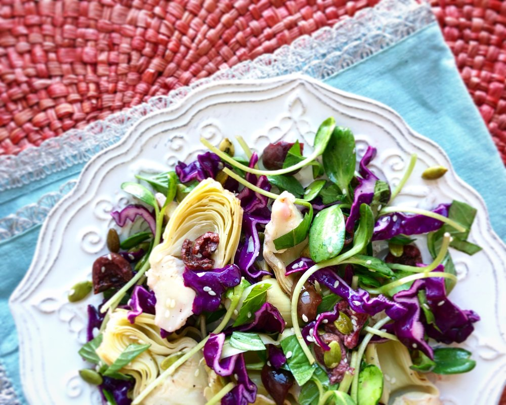 Bright Artichoke Heart Salad - Spring has sprung! Your body will thank you.Click the image for the full recipe!
