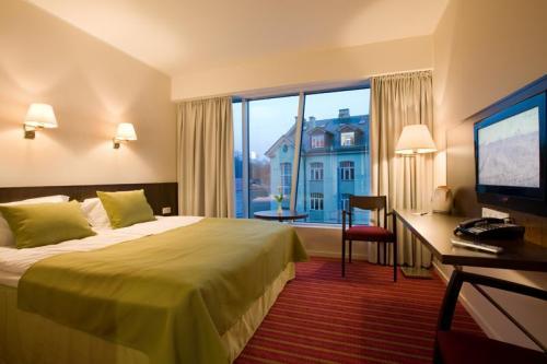 2181_Meriton_Grand_Conference__Spa_Hotel.jpg