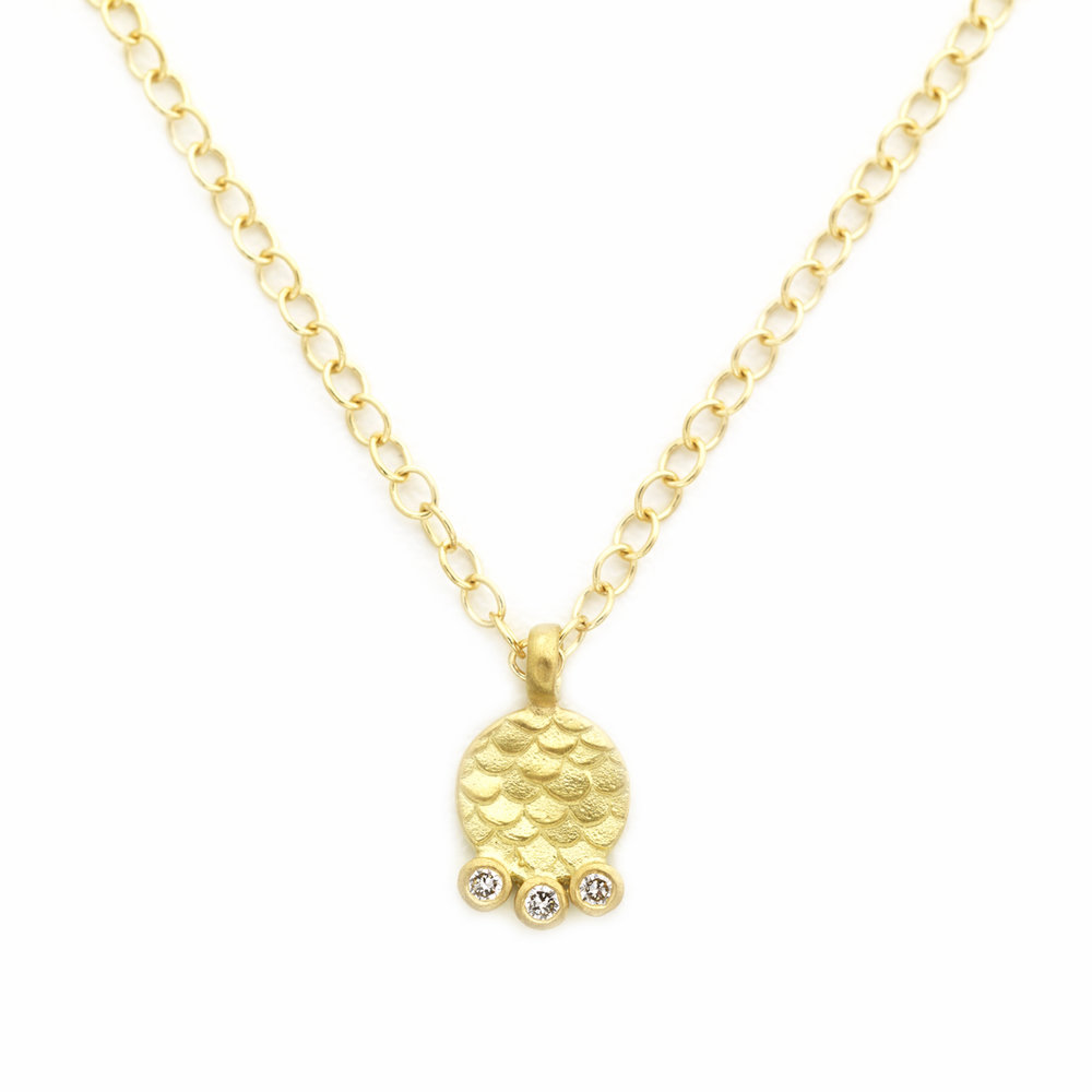 gold pendant three avanti necklace from necklaces image womens diamond colour