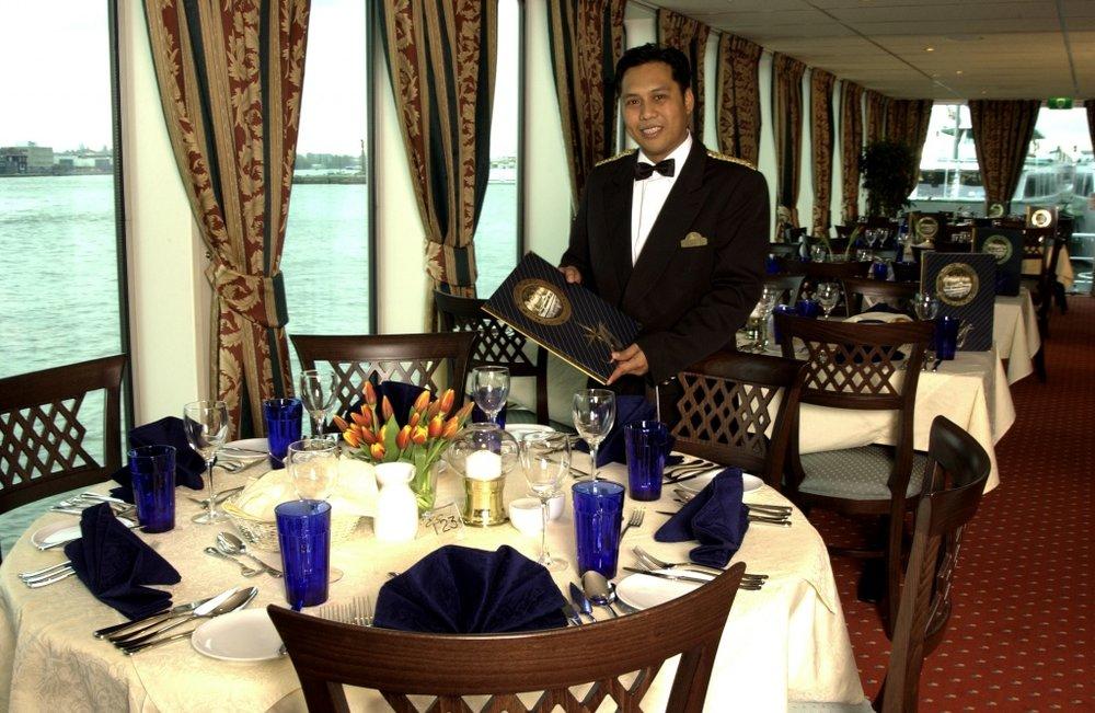 Royal-Rest-waiter-windows.jpg