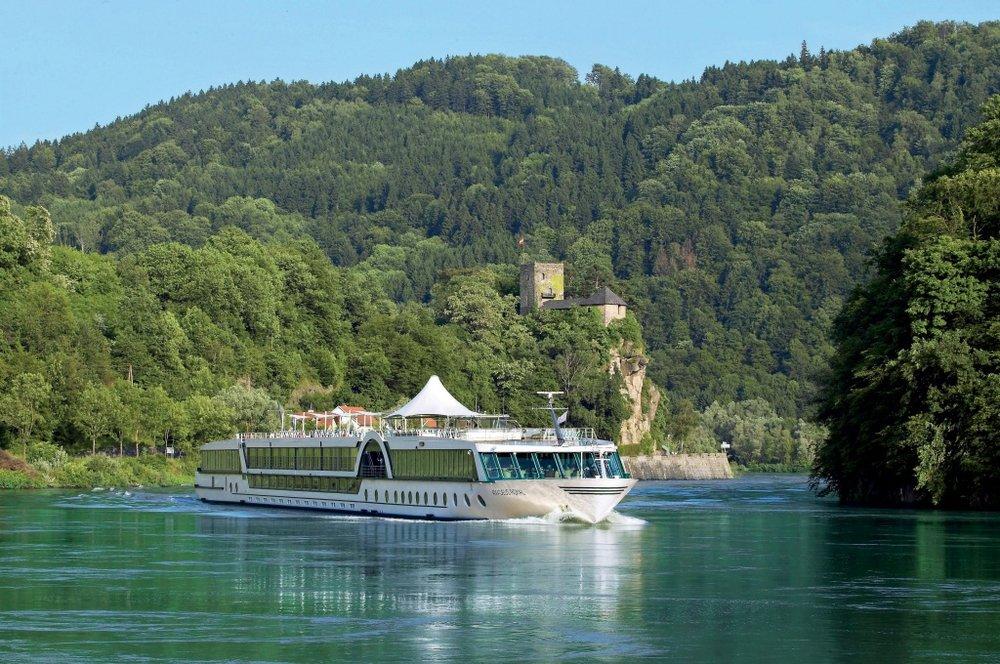 Royal-Rhein-castle1.jpg