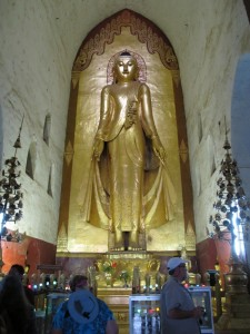 Ananta temple Buddha statue (photo by Maia Coen)